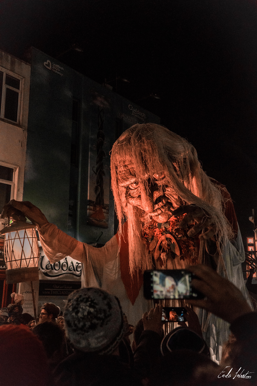 Macnus Parade -17